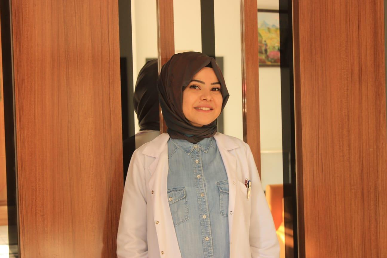 Elife Gül ER - Matematik Öğretmeni