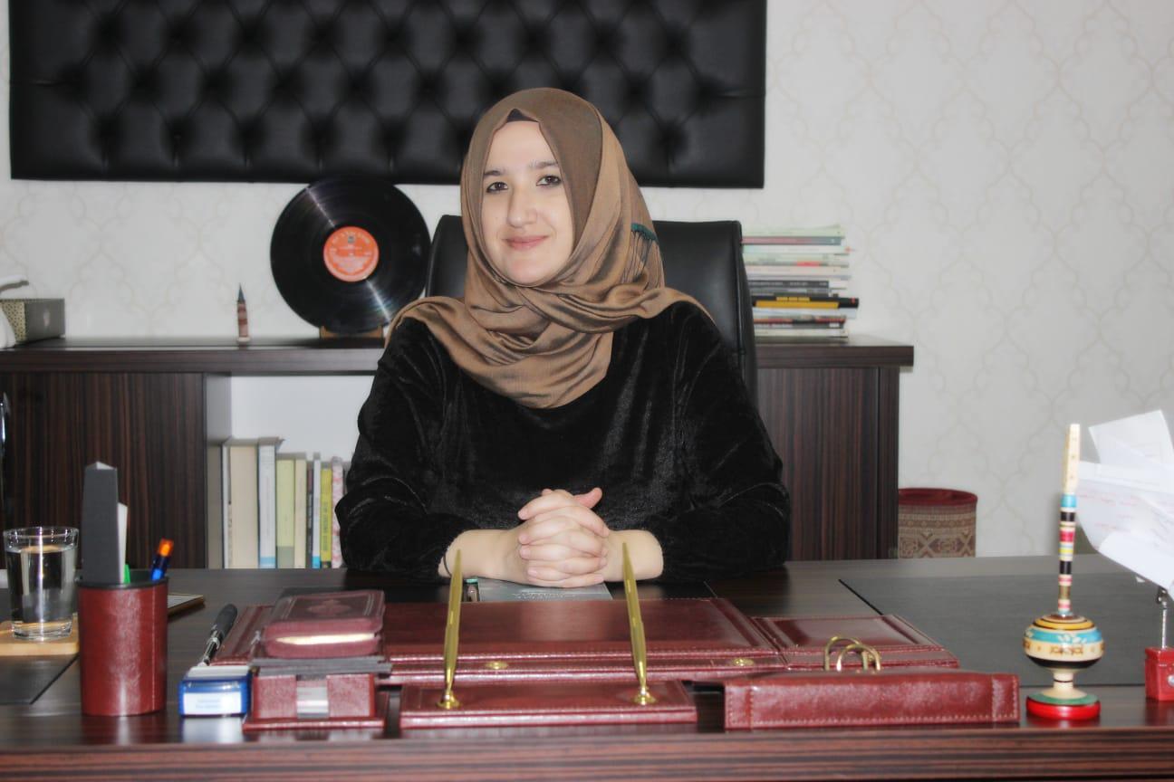 Mesude YAYLAMAZ - Anadolu Lisesi Müdürü